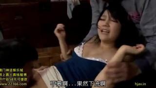 """这部是中文字幕的,大概就是公公想上儿媳妇,然后找了两个朋友强奸儿媳妇,录下来,然后给儿媳妇看,说""""原来你是这样的人啊,""""之后就各种啪啪啪了~~ 整部  下载地址"""