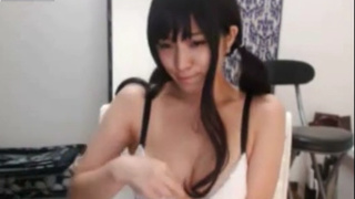 E奶日本裔超正妹Ynuohazzz視頻 自己弄的周圍都水珠 3