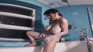 シャワールームでいちゃいちゃ洗いっこ手コキ 澁谷果歩