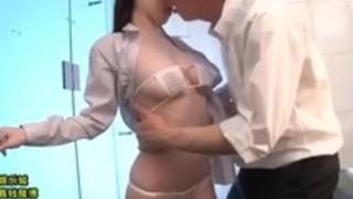 美少女水卜さくらが快楽のまま濃厚セックスに溺れる