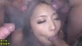【あしおな動画】合法ハーブの吸い過ぎで理性崩壊した痴女の柄タイツ足コキ