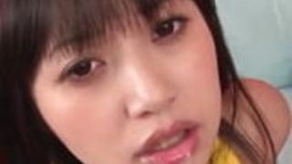 Asakura Kotomiはこの口が彼女の口に爆発するのを望んでいる