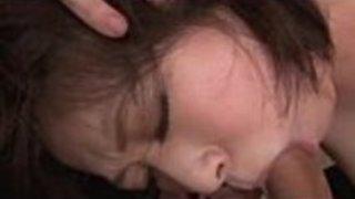 肛門の指とフェラチオで3人組を持つお母さん