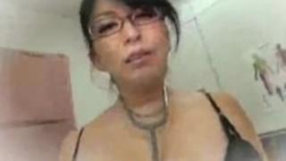 【pornhub動画】豊満な30代下着巨尻爆乳女医の、折原ゆかりのローション無料絶対エロ動画!【折原ゆかり動画】