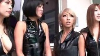 【痴女乱交】淫乱なエロいコスプレの痴女の乱交プレイエロ動画。【xvideos動画】