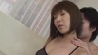 6月草薙アジアの熟女は輪姦スタイルで自慰行為角質の猫を取得します