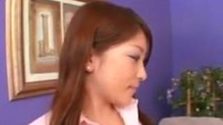 ヘアリープッシーでかわいいアジアの女の子
