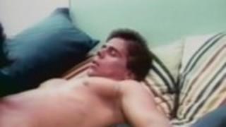 ジンジャー・リン・アレン、トレイシー、古典的なポルノ映画の中でトム・バイロン