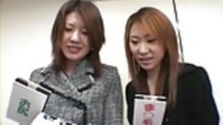 Zenra日本の女の子は、アダルトゲームを行うには、通りからピックアップ