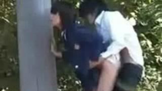 【エロ動画】放課後、外でSEXするカップルを盗撮