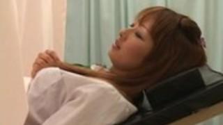 【鈴村あいり】産婦人科へ検診に来た激カワギャルの割れ目を弄ぶ変態医師!俺も医者だったらきっと同じことしてると思うwww