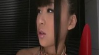 【無修正・石原ちか】貧乳ちっぱい奴隷少女が首輪付けられて ...