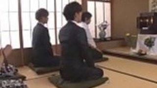 エキゾチックな日本人女優松島由里、素晴らしいMiViのJAVクリップで - 三輪恵里子