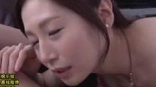 スケベAV女優佐々木あき胸チラを見ながらのフェラ&手ヌキ動画