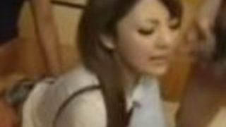 【月野りさ】ギャル女子高生がオナニーのあと、制服のまま男らにハメられる3P