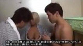 [Jap]オープンエアの温泉浴場で、私たちは若い妻と彼女の能力を発揮しなかった、彼女とギャングバンクリームパイをして自分自身を撮影し、許可なくAVとして販売しました - フルビデオ: /JPorn.se/KIL-092