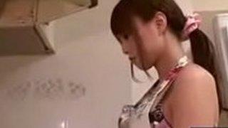 【吉沢明歩】旦那と義父に朝っぱらからフェラチオせがまれる美人妻|イクイクXVIDEOS日本人無料エロ動画まとめ