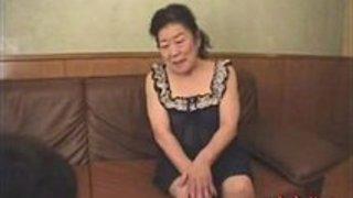 【還暦オーバー熟女】SEXしたのなんて何十年前かってくらいのおばあちゃんのエロ動画www|イクイクXVIDEOS日本人無料エロ動画まとめ